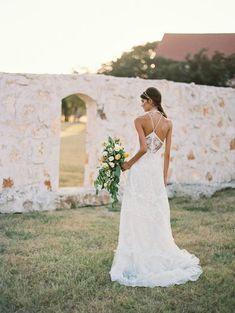 Wedding Dress Ideas, Designers & Inspiration  :    Halter neckline lace bohemian wedding dress: www.stylemepretty… | Photography: Apryl Ann – www.aprylann.com/   https://greatmag.net/wedding/wedding-dress/wedding-dress-ideas-halter-neckline-lace-bohemian-wedding-dress-www-stylemepretty-photography/