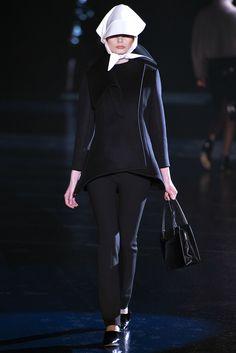 Mugler Fall 2013 Ready-to-Wear Fashion Show
