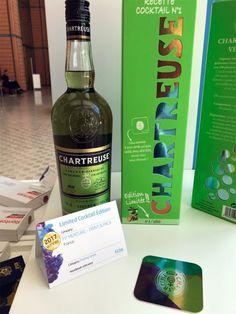 Découpe, effet métallisé, données variables, réalité augmentée... L'emballage de cette #chartreuse verte a été particulièrement soigné.