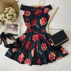 Image uploaded by Izabela_Sabolić. Find images and videos about fashion, dress and outfit on We Heart It - the app to get lost in what you love. Teen Fashion Outfits, Cute Fashion, Outfits For Teens, Girl Outfits, Fashion Dresses, 90s Fashion, Fashion Vestidos, Fashion Stores, Fashion 2018