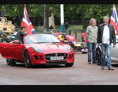 Jeremy Clarkson oversees a £200m Top Gear traffic jam in London for new @Top Gear  series