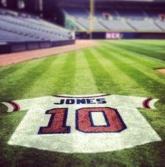 jersey on field when they retired Chipper Jones number Braves Baseball, Baseball Field, Baseball Stuff, Tomahawk Chop, Chipper Jones, Thanks For The Memories, Atlanta Braves, Clash Of Clans, Sport Girl