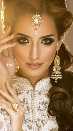 Arabic Make Up and Its Stunning Effect. Wow! Beautiful