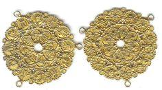 Very fine 22K Bugis disk ornaments, 18th Indonesia