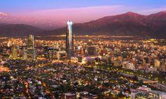 Das höchste Gebäude in Südamerika ist der Gran Torre Santiago in Santiago de...
