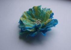 Felt flower brooch-Felt flower pin-Poppy pin-Felt brooch-Felt poppy-Red Poppy brooch-Felted gift women-blue by YuliasFeltworld on Etsy