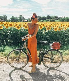 Things to do in Geneva Switzerland Bike through sunflower fields in Geneva, Switzerland Geneva Switzerland, Look Girl, Mellow Yellow, Mode Inspiration, Summer Vibes, Cute Pictures, Summer Outfits, Summer Clothes, Spring Summer