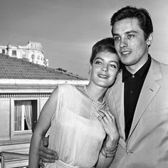 MOLTO  BELLO  --  ROMY  e  ALAIN  --  CANNES ,  1962 .