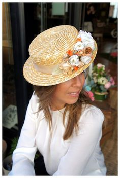 Canotier by Cherubina Hats & Headpieces. Sombreros Fascinator, Fascinator Hats, Headpiece, Fascinators, Boater Hat, Dress Vestidos, Diy Hat, Love Hat, Hat Hairstyles