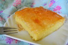 Galaktoboureko is een heerlijk Grieks custard dessert dat letterlijk 'melkbrood' betekent. Een echt feestgerecht uit de Griekse keuken.