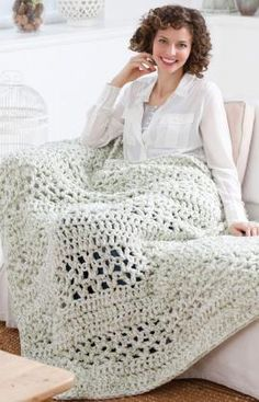 Another awesomely thick and chunky throw blanket! Looks so cozy. Free pattern from Red Heart--made using 4 strands held together, so I bet it works up SO quickly.