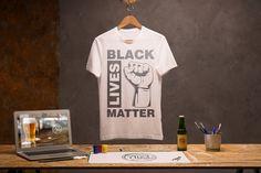 Black Lives Matter. Stoppt den Rassismus auf unserer Erde und spreaded diese Nachricht mit diesem T-Shirt, dass sich auch optimal als Geschenkidee entpuppt. #BLM #BlackLivesMatter #ALM #AllLivesMatter #Antirassismus #georgefloyd Mens Tops, Black, Fashion, Earth, Women's T Shirts, Moda, Black People, Fashion Styles
