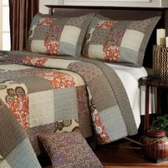 Contemporary Medallion Patchwork Reversible Taupe Quilt Set - Nice neutral colors #medallion bedding
