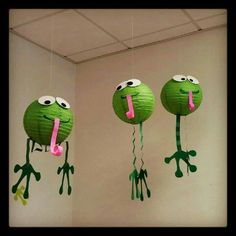 Frog crafts and learning activities for kids Frog Theme Classroom, Classroom Decor, Class Decoration, School Decorations, Frog Decorations, Lantern Decorations, Outdoor Decorations, Frog Crafts, Diy And Crafts