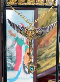 Geflügelte Halskette