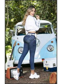 Trucks And Girls, Car Girls, Girls Jeans, Mom Jeans, Volkswagen Minibus, Bus Girl, Sexy Jeans, Vw Bus, Buses