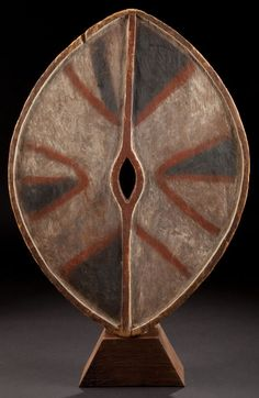 Africa | Painted wood dance shield from the Kikuyu people | ca. early 20th century