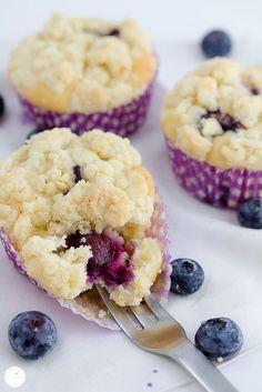 Rezept für Heidelbeer Joghurt Muffins mit Zitronenstreusel / recipe for blueberry muffins with lemon streusel