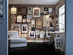 Простая идея декора – пустые рамы на стенах