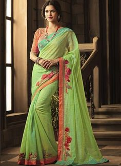 Beautiful and designer Banarasi Silk saree in Lime Green. This embroidered saree is decorated with designer border with tassels. Perfect choice for bridal wedding for the best look. Comes with Raw Silk Deep pink blouse piece. Indian Designer Sarees, Designer Sarees Online, Indian Sarees, Ethnic Sarees, Fancy Sarees, Party Wear Sarees, Saree Wedding, Wedding Wear, Bridal Sari