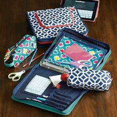 gear-up preppy geo homework holder // keep all your school supplies organized
