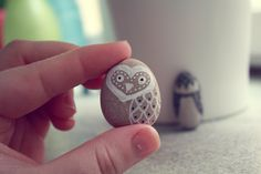 owl-pebbles - surely i could paint a rock?
