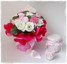 dc3f7329de099 Superbe bouquet de layette à personnaliser au prénom de bébé