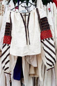 Каждый год на День Независимости во внутреннем дворике Музея Гончара проходит ярмарка, на которой можно купить одежду в национальном стиле, разнообразную посуду