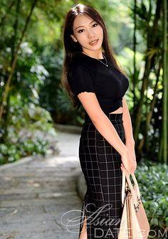 Thai member photo: Qiuyan from Beijing, 37 yo, hair color Black Hair Color For Black Hair, Asian Dating, Beijing, Short Sleeve Dresses, Pictures, Fashion, Photos, Moda, La Mode