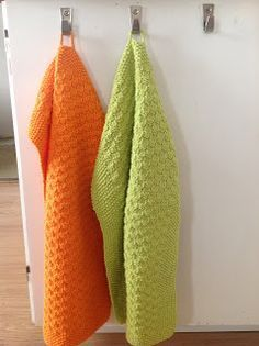 Tangs univers: Håndklæder i forårshumør Learn To Crochet, Diy Crochet, Hand Crochet, Crochet Hats, Knitted Washcloths, Crochet Dishcloths, Crochet Patterns For Beginners, Knitting Patterns Free, Knitting Ideas