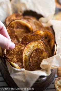 Baked Potato Chips with Chinese BBQ Spice Mix sponsored by - Potato Recipes! Appetizer Recipes, Snack Recipes, Cooking Recipes, Appetizers, Potato Recipes, Party Recipes, Cookbook Recipes, Soup Recipes, Healthy Recipes