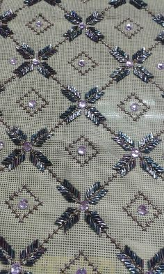 Zardozi Embroidery, Beaded Embroidery, Cross Stitch Embroidery, Hand Embroidery, Embroidery Designs, Crafts To Make, Diy Crafts, Palestinian Embroidery, Cross Stitch Borders