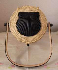 Nantucket Basket 5 inch round shell top basket