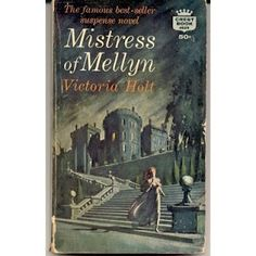 Mistress of Mellyn by Victoria Holt. My first and still my favorite gothic romance (next to Jane Eyre, of course). Also my favorite cover. I Love Books, Good Books, Books To Read, My Books, Vintage Book Covers, Vintage Books, Gothic Books, Pin Up, Romance Novels