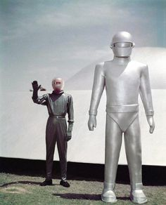 Color publicity photo, for the 1951 motion picture, THE DAY THE EARTH STOOD STILL (original vintage image color corrected) .