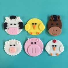 12 Farm Animal Cupcake Toppers-Fondant by bakerslovebakery on Etsy Zoo Animal Cupcakes, Kid Cupcakes, Valentine Cupcakes, Barnyard Party, Farm Party, Fondant Cupcake Toppers, Cupcake Cakes, Farm Birthday Cakes, Horse Cupcake