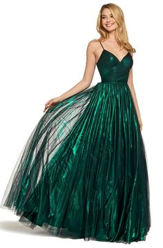 Sherri Hill at Prom and Beyond in St. Louis Missouri Sherri Hill 53480 Prom and Beyond, St. Louis Missouri, Prom, Homecoming, and Pageant dresses Pretty Prom Dresses, Sherri Hill Prom Dresses, Prom Dress Stores, Tulle Prom Dress, Beautiful Dresses, Formal Dresses, Vintage Prom Dresses, Emerald Prom Dress, Dark Green Prom Dresses