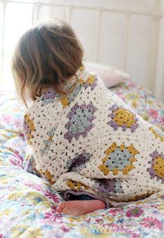 "coastalcottage:  ""Gorgeous Granny Square Blanket by Lulu Loves.  """