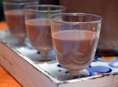 Com esta receita de amarula caseira você terá charme e sabor no seu bar. Experimente e verá!
