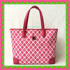 """🎉HOSTPICK🎉Authentic Dooney&Bourke Logo Pink Bag 💯% AUTHENTIC ✨ Beautiful large tote logo bag from Dooney&Bourke 🌹 Lightweight & very spacious. Approximate measurements: Length 15"""" Height is almost 13"""" Width 4 1/2"""" Strap drop 9-10"""" with pockets inside. In very good condition. GORGEOUS 💖 NO TRADE 🙅🏼 Dooney & Bourke Bags Totes"""
