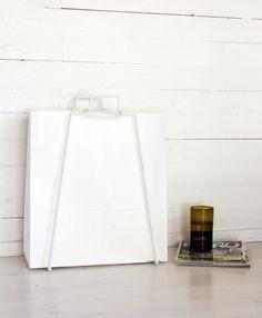 http://www.everydaydesign.fi/images/hires/Paperikassitelineet/EverydayDesign_paperbagholder_white_summercottage_press.jpg