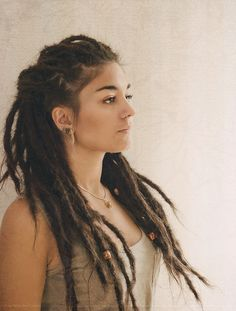 """Girls With Dreadlocks Anyone have dreads ? We have selected some pretty good photos, we called the """"Fashion for dreadlocks"""". Dreadlock Hairstyles, Cute Hairstyles, Curly Hair Styles, Natural Hair Styles, Beautiful Dreadlocks, Pretty Dreads, Dreads Girl, Dreads Women, White Girl Dreads"""