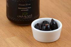 Süße Kalamata Oliven mit Mandeln