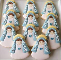 Cookies amanteigados decorados a mão com glacê. <br>Embalados em celofane com fita em cetim e tag padrão. <br>Para outras opções de embalagens e tag personalizada favor consultar. <br>Todos os modelos podem ser personalizados de acordo com tema e cores do evento. <br>* pode ser feito no palito <br>* consulte outras estampas de decoração Cute Cookies, Yummy Cookies, Cupcake Cookies, Sugar Cookies, Christening Cookies, Christening Party, Merry Christmas Everyone, Merry Xmas, First Communion Cakes
