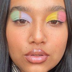 21 Bold Blue Makeup Looks Makeup Goals, Makeup Inspo, Beauty Makeup, Beauty Secrets, Beauty Hacks, New Years Eve Makeup, Pretty Makeup Looks, Pink Eyeshadow, Summer Eyeshadow