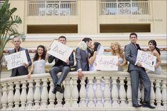 sucha cute wedding picture idea :))