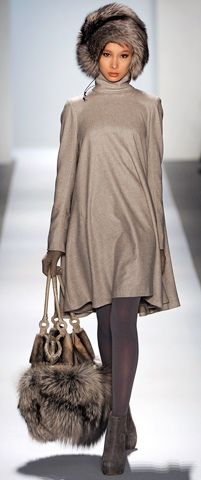 Dennis Basso Fall 2011 Ready-to-Wear Fashion Show                                                                                                                                                                                 More