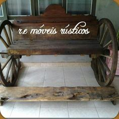 Banco com roda de carroça
