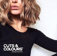 Curls | Halflang haar | CUTS & COLOURS