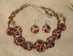 "$22 ES571 - 2 Strand Acrylic Leopard Print Nkl & Earring Set 18-22"""